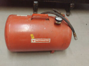 MotoMaster 11 Gallon air tank