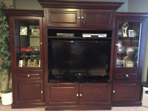 Beautiful wall unit with tv included SOLD PPU