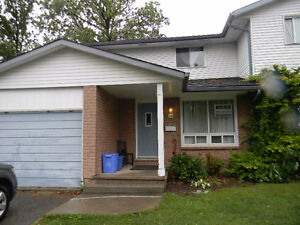 Large Student Rooms at NORTHGATE DR. - Close to Niagara College