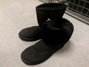 Men UGG size 8 Black