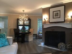 Beautifully updated 3 bdrm t/h in Fairview.OPEN SAT,OCT 23, 2-4
