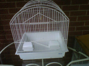 WHITE HAGEN CAGE PERFECT FOR ANY SMALL BIRDS, AS NEW