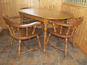 Rock Maple Dining Table/Captain Chairs