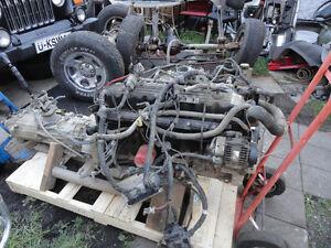 2 moteur 6 cylindres JEEP TJ 4 LI et 4 cyl $ 800 chacun