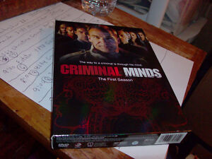 FIRST SEASON COMPLETE CRIMINAL MINDS DVD MINT LIKE Windsor Region Ontario image 1
