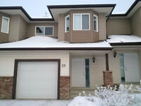 NORTH EAST EDMONTON 3 BEDROOM TOWNHOUSE FOR RENT