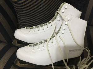 Women's WinnWell Figure Skates Size 7