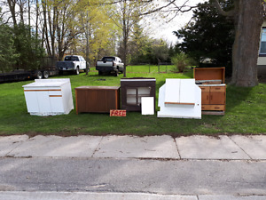 Free cabinets and counters 60 B line wingham