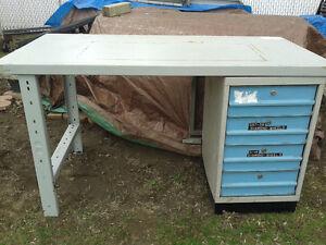 table établis en acier avec tiroir de 60 X 30 X 34 Haut
