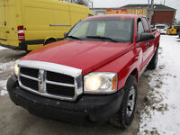 2005 Dodge Dakota 4X4  CREW CAB Pickup Truck