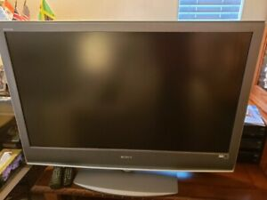 "Sony 46"" HD LCD TV - KDL-46S2000 - $100 (Surrey)"