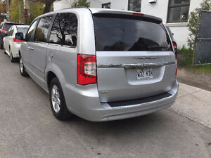 2012 Chrysler Town & Country Autre