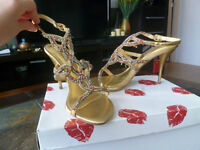 TWO LIPS MULTI-GOLD SEXY RHINSTONES SANDALS,  SZ.7 1/2 NEW