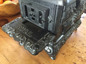 ANTIQUE ROYAL KENTON CHILDS TOY WOOD STOVE c1900
