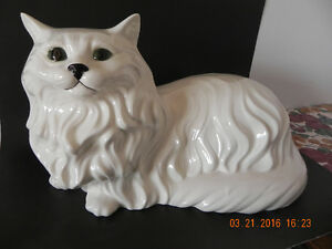 Ceramic Cat ( Reduced Price) to $35.00 West Island Greater Montréal image 6