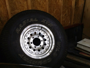 """33×12.5"""" LT 6 ply tire WILD COUNTRY with aluminum rim"""