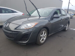 Cheep on gas nice and clean 2011 mazda 3 Automatic or standard