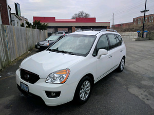 2011 KIA Rondo EX, hatchback , white, alloy wheels