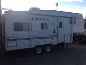 2001 24' Terry Lite 245P 5th Wheel