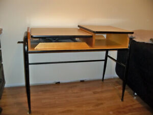 Adjustable sewing table