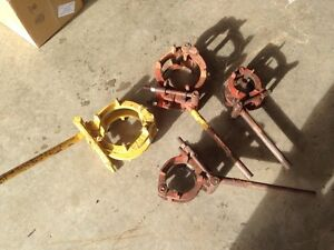Pipe welding cage clamps