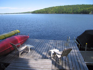 Waterfront House in Calabogie