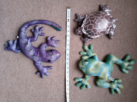 3 large sand filled reptile toys