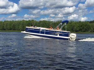 2011 Hurricane Fundeck 236