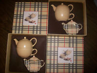 NEW : LOT 2 SET BURBERRY THÉIÈRE + TASSE CERAMIC TEAPOT +CUP City of Montréal Greater Montréal Preview