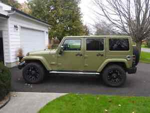36 169km 2013 Jeep Wrangler Sahara Unlimited - Fully Loaded!!