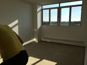 Bright and Clean Single Bedroom Unit available Immediately Belleville Belleville Area image 4