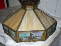 RESPLENDISSANTE LAMPE TIFFANY 595,00$