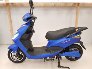 ELECTRIC SCOOTER MODEL 9 - IN-STORE ONLY