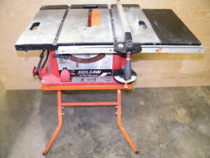 SKILSAW TABLESAW ***SELLING WITHOUT STAND***