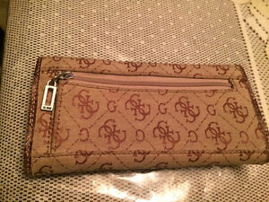 Selling 3 different GUESS brand wallets West Island Greater Montréal image 3