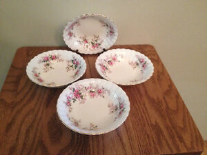 ROYAL ALBERT LAVENDER ROSE BERRY BOWLS/FRUIT NAPPIES