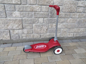 Kid's Radio Flyer Scooter