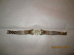 Bracelet plaqué or et argent avec pierr de qualité de marque U&u