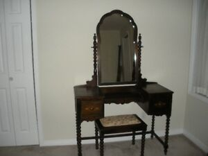 DRESSING MIRROR AND TWO DRAWER DRESSER