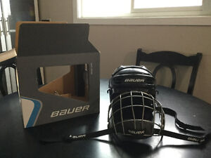 BAUER helmet with face cage boys xs