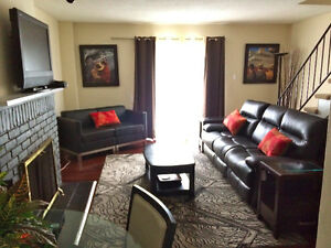 Rent Fully Furnished and Equipped Townhouse Sarnia 3/4 Bedrooms