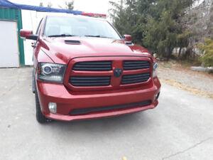 2013 Dodge Ram Sport, loaded, nav, 2 sets of tires/rims OBO