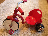 Tricycle radio flyer comme neuf!