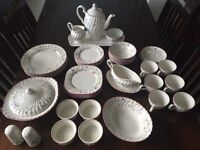 6 Person Vintage Dinner & Coffe Set