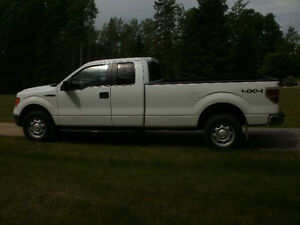 2010 Ford F-150 XLT  4x4 extended cab ( located in Edson )