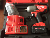 Impact wrench à batterie Milwaukee 2762-22