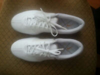 Ladies Nike golf shoes size 10.5