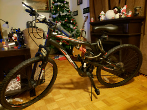 21 Speed Fugitive Mountain Bike