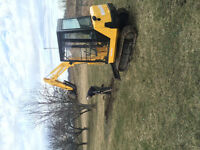 Mini Excavator For Hire!