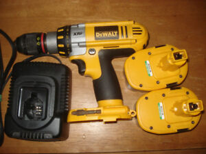 Dewalt cordless drill with charger and two 14.4v batteries